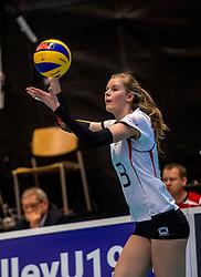 04-04-2017 NED:  CEV U18 Europees Kampioenschap vrouwen dag 3, Arnhem<br /> Duitsland - Nederland 3-1 / Nederland verliest kansloos van Duitsland met 3-1 - Corina Glaab #13