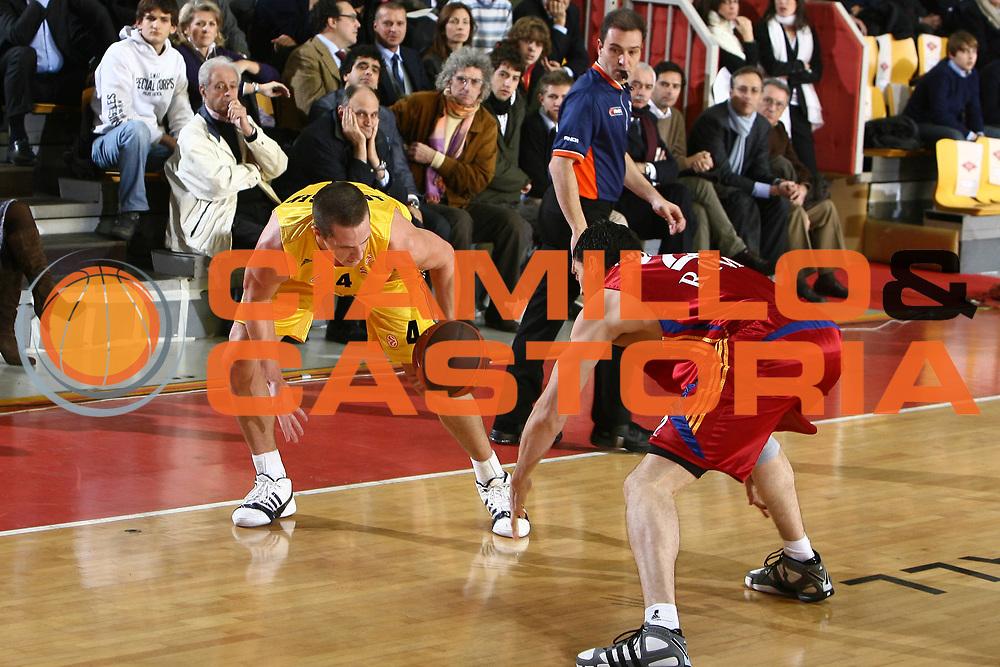 DESCRIZIONE : Roma Eurolega 2008-09 Lottomatica Virtus Roma Alba Berlino<br /> GIOCATORE : Casey Jacobsen<br /> SQUADRA : Alba Berlino<br /> EVENTO : Eurolega 2008-2009<br /> GARA : Lottomatica Virtus Roma Alba Berlino<br /> DATA : 04/12/2008 <br /> CATEGORIA : palleggio<br /> SPORT : Pallacanestro <br /> AUTORE : Agenzia Ciamillo-Castoria/E.Castoria