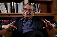31 MAY 2010, BERLIN/GERMANY:<br /> Jagdish Natwarlal Bhagwati, indischer Oekonom und Professor fuer Politik und Wirtschaft an der Columbia University, waehrend einem Interview, Bibiothek der American Academy<br /> IMAGE: 20100531-02-012<br /> KEYWORDS: Jagdish Bhagwati, Ökonom