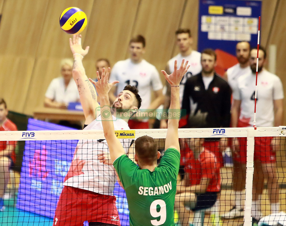June 16, 2018 - Varna, Bulgaria - from left Stephen Timothy MAAR (Canada), Georgi SEGANOW (Bulgaria), .mens Volleyball Nations League,week 4, Bulgaria vs Canada, Palace of culture and sport, Varna/Bulgaria, June 16, 2018, the fourth of 5 weekends of the preliminary lap in the new established mens Volleyball Nationas League takes place in Varna/Bulgaria. (Credit Image: © Wolfgang Fehrmann via ZUMA Wire)