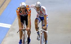 29-12-2006 WIELRENNEN: NK BAANRENNEN 2006: ALKMAAR<br /> Niki Terpstra pakte de titel voor zich op bij de individuele achtervolging. In de finale versloeg hij in een nieuw baanrecord van 4.33,248.  Eelke van der Wal pakte zilver <br /> ©2006-WWW.FOTOHOOGENDOORN.NL