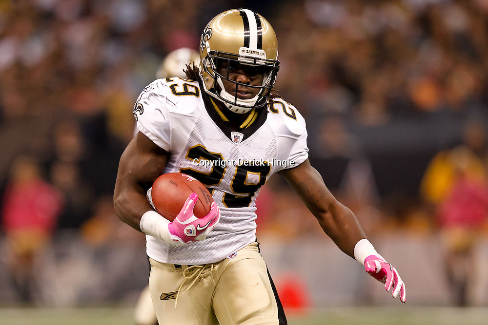 October 3, 2010; New Orleans, LA, USA; New Orleans Saints running back Chris Ivory (29) runs against the Carolina Panthers during the first quarter at the Louisiana Superdome. Mandatory Credit: Derick E. Hingle