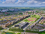 Nederland, Utrecht, Utrecht; 14–05-2020; stadsdeel Leidsche Rijn, Parkwijk / Hoge Weide. Amaliapark met Leidsche Rijncollege. Richting De Meern.<br /> <br /> Leidsche Rijn district.<br /> <br /> luchtfoto (toeslag op standaard tarieven);<br /> aerial photo (additional fee required)<br /> copyright © 2020 foto/photo Siebe Swart