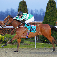 Rightcar and S O'Hara winning the 5.30 race