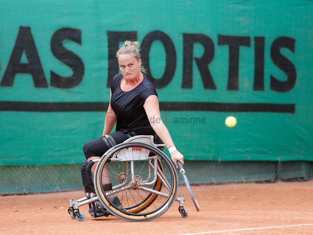 20170728 - Namur, Belgium : Aniek Van Koot (NED) returns the ball during her 1/4th final match against Dana Mathewson (USA) at the 30th Belgian Open Wheelchair tennis tournament on 28/07/2017 in Namur (TC Géronsart). © Frédéric de Laminne