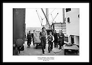 Havnearbeidere lasser av kargo tilhørende Kellog's Cornflakes i Dublin. Jubileumsgave til dine.nærmeste. Dekorative bilder, som er tatt i Irland.