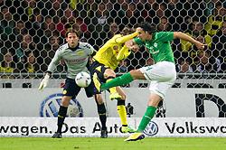 14.10.2011, Weser Stadion, Bremen, GER, 1.FBL, Werder Bremen vs Borussia Dortmund, im Bild.Claudio Pizarro (Bremen #24) mit einem Pfostenschuss gegen Roman Weidenfeller (Torwart Dortmund).// during the Match GER, 1.FBL, Werder Bremen vs Borussia Dortmund on 2011/10/14,  Weser Stadion, Bremen, Germany..EXPA Pictures © 2011, PhotoCredit: EXPA/ nph/  Kokenge       ****** out of GER / CRO  / BEL ******
