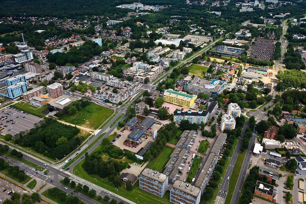 Nederland, Drenthe, Emmen, 30-06-2011;.Woonwijk in Emmen, residential area in Emmen..luchtfoto (toeslag), aerial photo (additional fee required).copyright foto/photo Siebe Swart
