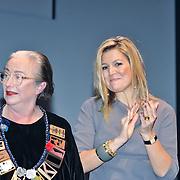 NLD/Amsterdam/20121126- Prinses Maxima reikt Pr. Bernhardprijs 2012 uit, uitreiking aan Lidewij Edelkoort