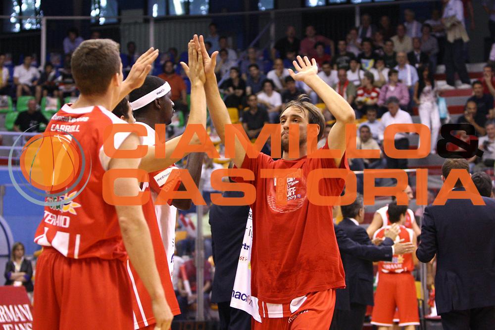 DESCRIZIONE : Milano Lega A 2008-09 Playoff Quarti di finale Gara 2 Armani Jeans Milano Bancatercas Teramo<br /> GIOCATORE : Giuseppe Poeta<br /> SQUADRA : Bancatercas Teramo<br /> EVENTO : Campionato Lega A 2008-2009 <br /> GARA : Armani Jeans Milano Bancatercas Teramo<br /> DATA : 20/05/2009<br /> CATEGORIA : before<br /> SPORT : Pallacanestro <br /> AUTORE : Agenzia Ciamillo-Castoria/C.De Massis