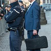 NLD/Amsterdam/20191204 - Koninklijke familie bij Prins Claus Prijs 2019, Veiligheidsdiensten bij Paleis op de Dam