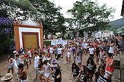 Tiradentes_MG, 21 de fevereiro de 2012...UOL - Bloco Mamae eu quero..O bloco Mamae eu Quero desfila pelo largo das merces,centro de Tiradebtes...Foto: EUGENIO SAVIO / UOL