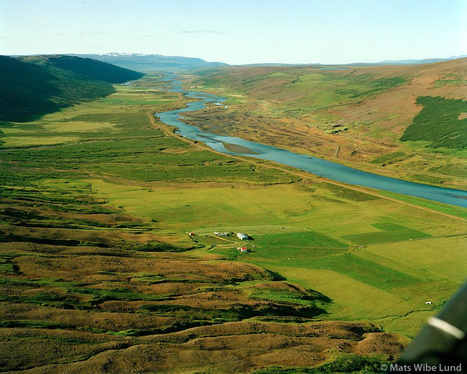 Litlu-Vellir séð til norðurs, Skjálfandafljót, Þingeyjarvseit áður Bárðdælahreppur / Litlu-Vellir viewing north, Skjalfandafljot river, Thingeyjarsveit former Barddaelahreppur.