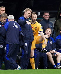 NEWCASTLE-UPON-TYNE, ENGLAND - Saturday, November 5, 2011: Everton's James McFadden talks with manager David Moyes before coming on as a substitute against Newcastle United during the Premiership match at St. James' Park. (Pic by Vegard Grott/Propaganda)