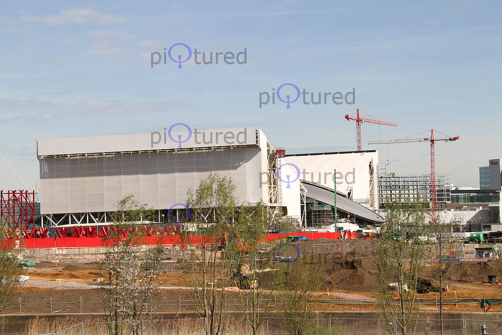 London 2012 Olympic Park Aquatics Centre , London, UK, 06 April 2011:  Contact: Rich@Piqtured.com +44(0)7941 079620