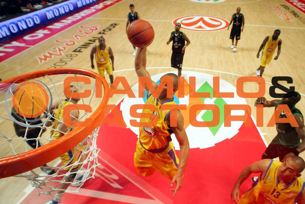 DESCRIZIONE : Madrid Eurolega 2007-08 Final Four Semifinale Montepaschi Siena Maccabi Tel Aviv<br />GIOCATORE : Alex Garcia<br />SQUADRA : Maccabi Tel Aviv<br />EVENTO : Eurolega 2007-2008 <br />GARA : Montepaschi Siena Maccabi Tel Aviv<br />DATA : 02/05/2008 <br />CATEGORIA : Tiro Special<br />SPORT : Pallacanestro <br />AUTORE : Agenzia Ciamillo-Castoria/G.Ciamillo