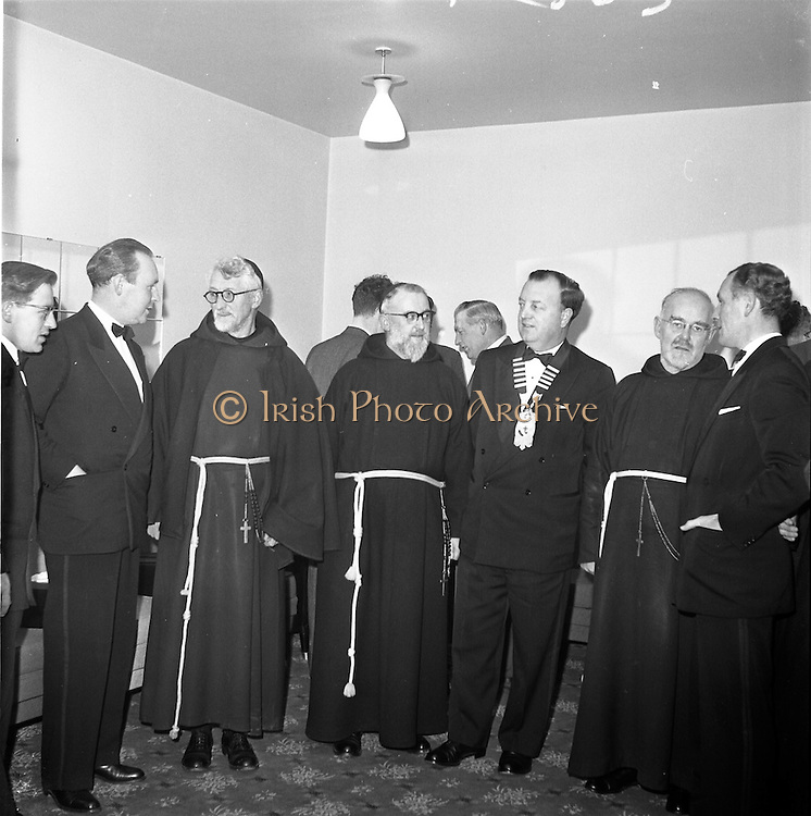 20/01/1962.01/20/1962.20 January 1962.Rochestown College Cork (Dublin Branch) Past Pupils Union annual dinner. The Annual Dinner of the Rochestown College Cork , P.P.U. (Dublin Branch), took place at Power's Hotel, Dublin. .Picture shows (l-r): Mr. Donal O'Cuill, Hon. Sec., (Dublin Branch); Mr. Denis O'Riordan, Committee; Rev. Dr. Eugene, O.F.M. Capuchin, Holy Trinity, Cork, ex-Rector of the College; V. Rev. Fr. Conrad, O.F.M. Capuchin Provincial; Donnachad O'Suileabhain, President of the Union; Rev. Fr. Henry, O.F.M. Capuchin and Mr Vincent Fannin, Chairman of the Dublin Branch of the Union.