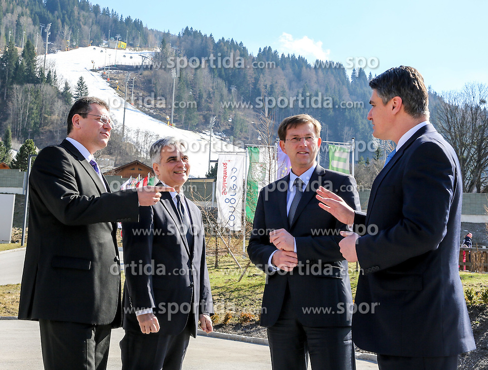 28.03.2015, Congress, Schladming, AUT, Bundeskanzler Werner Faymann trifft Ministerpraesident Miro Cerar, Slowenien, Premierminister Zoran Milanovic, Kroatien, sowie Vizepraesident der Europaeischen Kommission Maros Sefcovic, Kommissar fuer die Energieunion, im Bild von links Maros Sefcovic, Werner Faymann, Miro Cerar und Zoran Milanovic vor der Planai // Vice-President of the European Commission Maros Sefcovic, Federal Chancellor of Austria Werner Faymann, Slovenian Prime Minister Miro Cerar, Croatian Prime Minister Zoran Milanovic in front of the planai during a meeting at congress center in Schladming, Austria on 2015/03/28, EXPA Pictures © 2015, PhotoCredit: EXPA/ Martin Huber