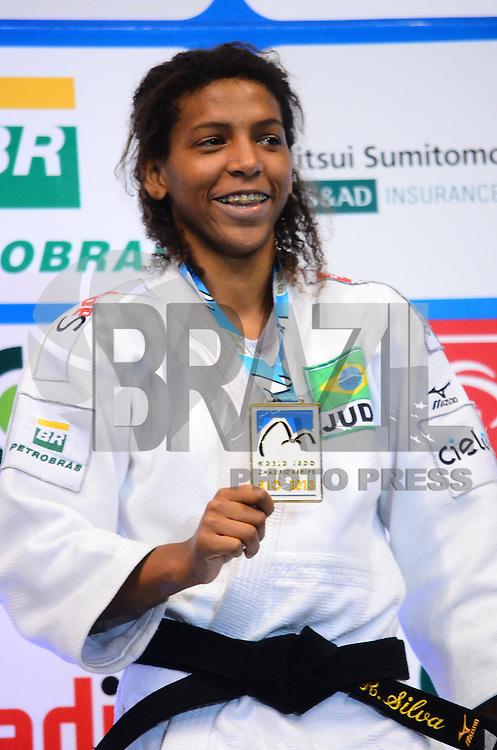 RIO DE JANEIRO, RJ,28 DE AGOSTO DE 2013 -CAMPEONATO MUNDIAL DE JUDÔ RIO 2013- A brasileira Rafaela Silva na cerimônia de premiação onde conquistou a primeira medalha de ouro para o Brasil ,na categoria 57 kg no Mundial de Judô Rio 2013, no Maracanazinho de 26 de agosto a 01 de setembro, zona norte do Rio de Janeiro.FOTO:MARCELO FONSECA/BRAZIL PHOTO PRESS