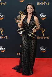 Julia Louis-Dreyfus  im Press Room bei der Verleihung der 68. Primetime Emmy Awards in Los Angeles / 180916<br /> <br /> *** 68th Primetime Emmy Awards in Los Angeles, California on September 18th, 2016***