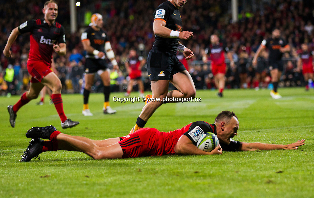 Israel Dagg of the Crusaders scoreing a try during the 2016 Super Rugby game between BNZ Crusaders v Jaguares held at AMI Stadium, Christchurch. 15 April 2016. Copyright Photo: Joseph Johnson / www.photosport.nz