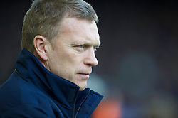 LIVERPOOL, ENGLAND - Saturday, February 20, 2010: Everton's manager David Moyes sees his side take on Manchester United during the Premiership match at Goodison Park. (Photo by: David Rawcliffe/Propaganda)