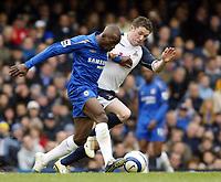 Photo: Chris Ratcliffe.<br />Chelsea v Tottenham Hotspur. The Barclays Premiership. 11/03/2006.<br />Claude Makelele (L) of Chelsea takes on Robbie Keane of Spurs.