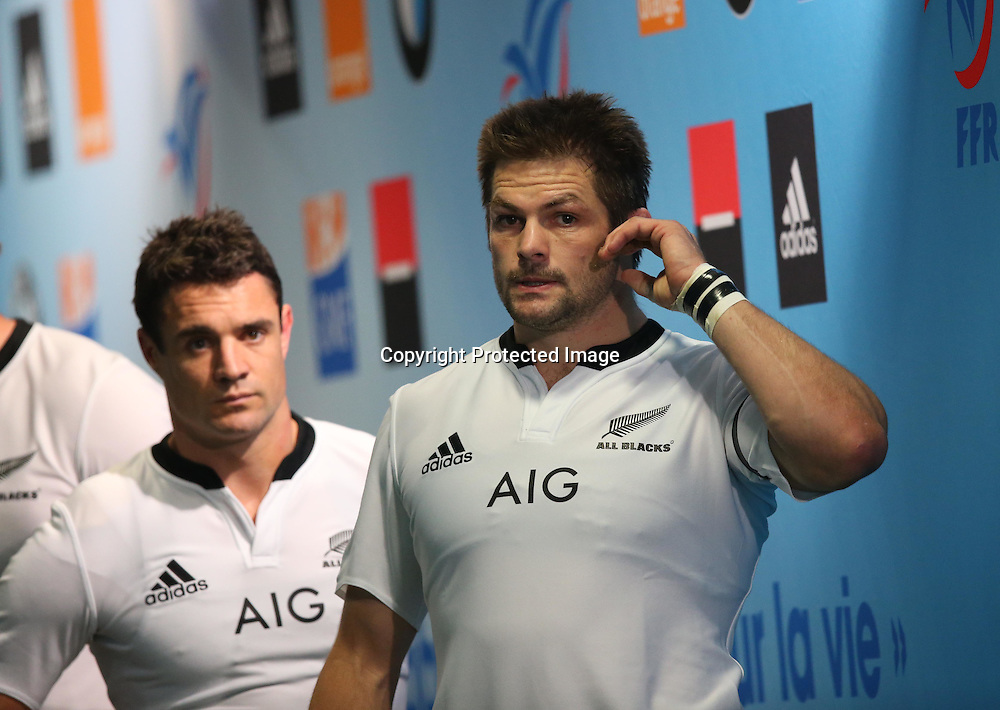 Rugby International France vs New Zealand All Blacks, Stade de France Paris 9/11/2013 <br />  All Blacks Dan Carter and  Richie McCaw <br /> Mandatory Credit &copy;INPHO/Billy Stickland