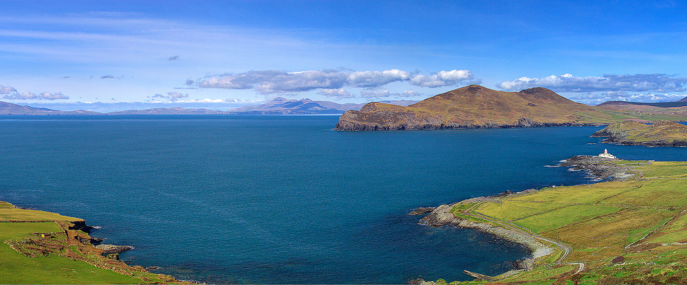 Impressiv panoramic view of Valentia Island with Valentia Lighthouse, Ring of Kerry, Southwest Kerry, Ireland / vl042-3