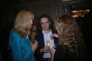 Lizzie Spender, Jamie Byng and Elizabeth Sheinkman. Everyman's Centenary Party. The Fine Rooms. Royal Academy. London. 15 February 2006. dddONE TIME USE ONLY - DO NOT ARCHIVE  © Copyright Photograph by Dafydd Jones 66 Stockwell Park Rd. London SW9 0DA Tel 020 7733 0108 www.dafjones.com