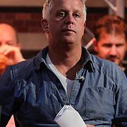 NLD/Scheveningen/20120604 - 1e uitzending VI Oranje met Wilfred Genee en Johan Derksen, opnameleider Marc Struik