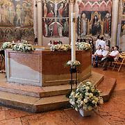 ITA/Parma/20120929- Doop prinses Luisa Irene, binnenzijde Battistero Parma