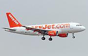 EasyJet, Airbus A319-111 in flight