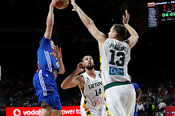 13.09.2014, City Arena, Madrid, ESP, FIBA WM, Frankreich und Litauen, Entscheidungsspiel zwischen Platz 3 und 4, im Bild France´s Heurtel (L) and Lithuania´s Valanciunas and Jankunas // during FIBA Basketball World Cup Spain 2014 playoff match place 3 and 4 between France and Lithuania at the City Arena in Madrid, Spain on 2014/09/13. EXPA Pictures © 2014, PhotoCredit: EXPA/ Alterphotos/ Victor Blanco<br /> <br /> *****ATTENTION - OUT of ESP, SUI*****