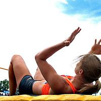 Oostenrijk, Gotzis, 30-05-2015<br /> Atletiek, Zevenkamp, Hepathlon.<br /> Hoogspringen.<br /> Dafne Schippers heft haar handen ten hemel nadat ze in haar 3e en laatste poging over haar aanvangshoogte van 1 meter 68 is gekomen. Vervolgens eindigt Schippers op 1 m 77.