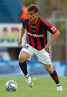 San Lorenzo (1) Vs San Martin de Tucuman (0) in the Argentine First Division derby soccer match in Buenos Aires, Argentina. October 18, 2008<br /> Here San Lorenzo player GONZALO BERGESSIO.<br /> © PikoPress