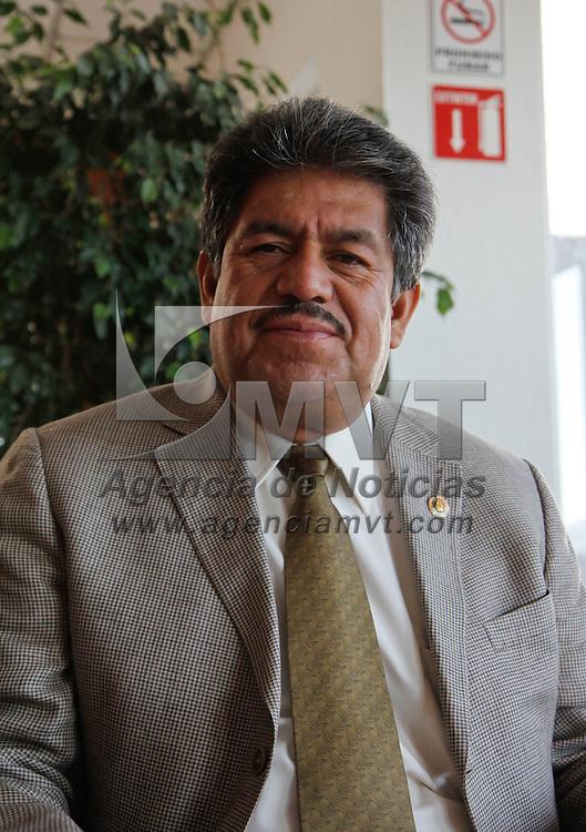 Toluca, México.- Lorenzo Gusmán Rodríguez, presidente de la Comisión de Educación, Cultura, Ciencia y Tecnología de la LVIII Legislatura local, considero que el Plan Nacional de Desarrollo necesita una visión local, y se debe de tomare en cuenta las propuestas de los estados.  Agencia MVT / Crisanta Espinosa