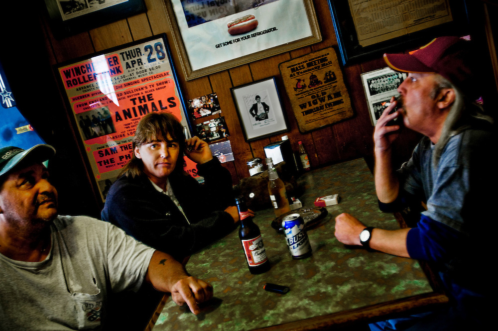 Royal lunch..Bob Neill  (left), Teresa Hott and Wesley Jurnell (right) discussing the upcoming elections at the Royal Lunch bar in Winchester Virgina..Photographer: Chris Maluszynski /MOMENT