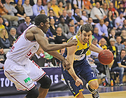12.04.2015, Brose Arena, Bamberg, GER, Beko Basketball BL, Brose Baskets Bamberg vs EWE Baskets Oldenburg, Top Four 2015, Finale, im Bild Links Trevor Mbakwe ( brose baskets Bamberg ) rechts Philip Zwiener ( EWE Baskets Oldenburg ) // during the Beko Basketball Bundes league TOP FOUR 2015 final match between Brose Baskets Bamberg and EWE Baskets Oldenburg at the Brose Arena in Bamberg, Germany on 2015/04/12. EXPA Pictures © 2015, PhotoCredit: EXPA/ Eibner-Pressefoto/ Langer<br /> <br /> *****ATTENTION - OUT of GER*****