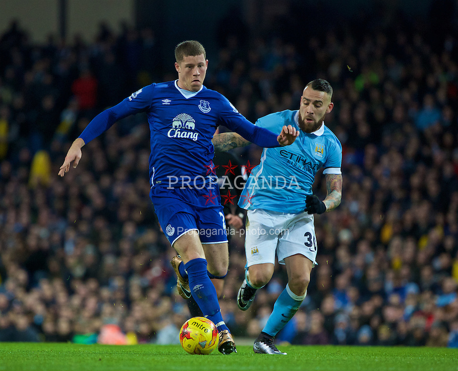 MANCHESTER, ENGLAND - Wednesday, January 27, 2016: Everton's Ross Barkley on his ways to scoring the first goal against Manchester City during the Football League Cup Semi-Final 2nd Leg match at the City of Manchester Stadium. (Pic by David Rawcliffe/Propaganda)