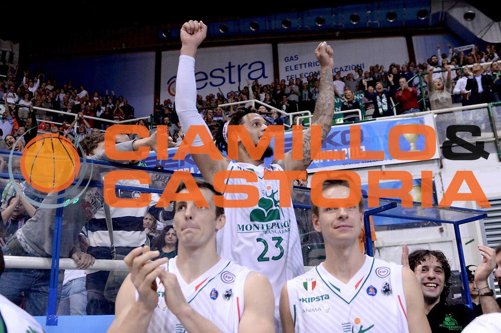 DESCRIZIONE : Siena Supercoppa Lega A 2013-14 Montepaschi Siena Cimberio Varese<br /> GIOCATORE : Daniel Hackett<br /> CATEGORIA :  esultanza<br /> SQUADRA : Montepaschi Siena<br /> EVENTO : Campionato Lega A 2013-2014<br /> GARA : Montepaschi Siena Cimberio Varese<br /> DATA : 08/10/2013<br /> SPORT : Pallacanestro<br /> AUTORE : Agenzia Ciamillo-Castoria/C.De Massis<br /> Galleria : Lega Basket A 2013-2014<br /> Fotonotizia :  Siena Supercoppa Lega A 2013-14 Montepaschi Siena Cimberio Varese<br /> Predefinita :