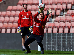 SOUTHAMPTON, ENGLAND - Thursday, April 5, 2018: Wales' goalkeeper Claire Skinner during a training session at St. Mary's Stadium ahead of the FIFA Women's World Cup 2019 Qualifying Round Group 1 match against England. (Pic by David Rawcliffe/Propaganda)