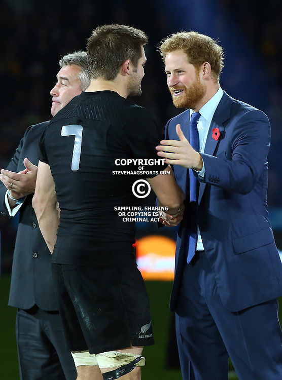 LONDON, ENGLAND - OCTOBER 31: Richie McCaw (captain) of New Zealand with Prince Harry during the Rugby World Cup Final match between New Zealand vs Australia Final, Twickenham, London on October 31, 2015 in London, England. (Photo by Steve Haag)