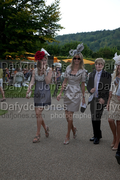 ELLA MAY SANGSTER; FEE SANGSTER; HUBIE SANGSTER, Glorious Goodwood. Ladies Day. 28 July 2011. <br /> <br />  , -DO NOT ARCHIVE-© Copyright Photograph by Dafydd Jones. 248 Clapham Rd. London SW9 0PZ. Tel 0207 820 0771. www.dafjones.com.