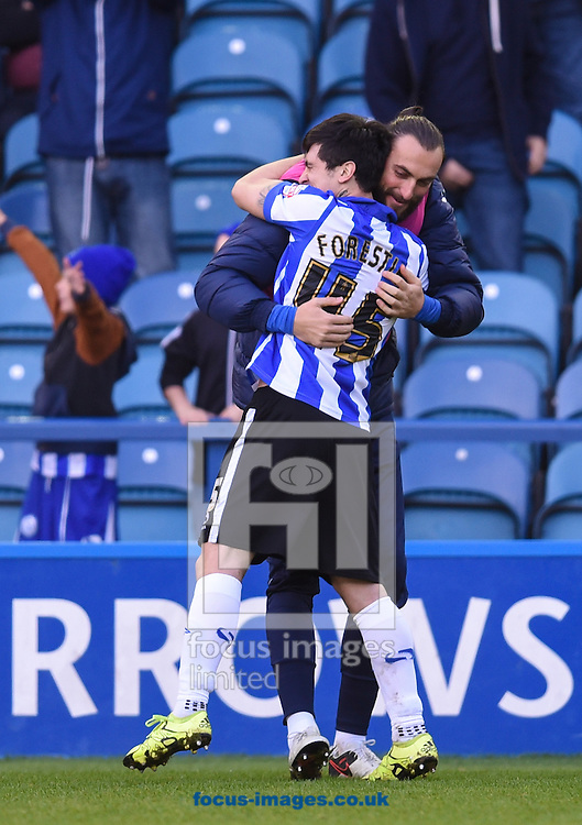Fernando Forestieri of Sheffield Wednesday celebrates scoring with substitute Atdhe Nihiu during the Sky Bet Championship match at Hillsborough, Sheffield<br /> Picture by Richard Land/Focus Images Ltd +44 7713 507003<br /> 20/12/2015