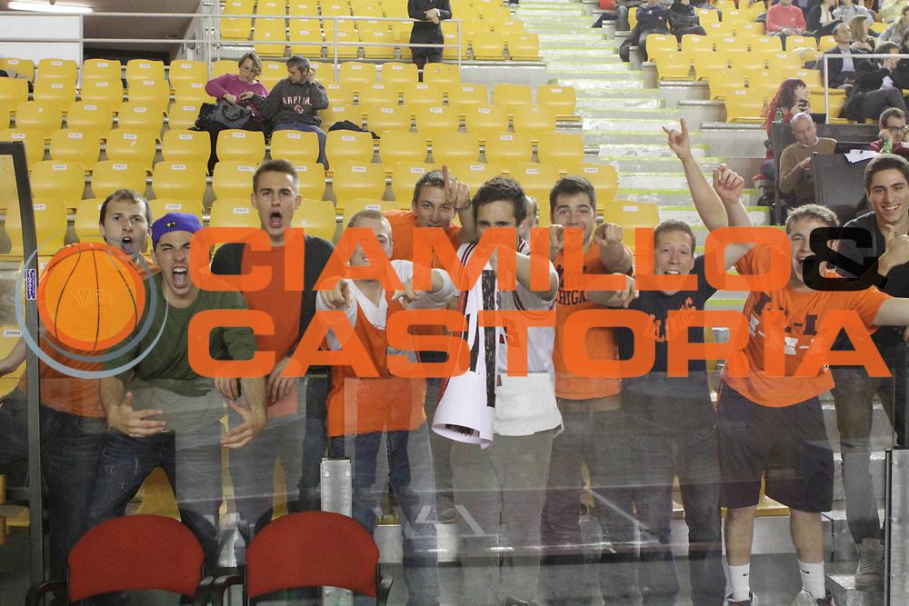 DESCRIZIONE : Roma Lega Basket A 2011-12  Acea Virtus Roma Banca Tercas Teramo<br /> GIOCATORE : pubblico<br /> CATEGORIA : tifosi<br /> SQUADRA :Acea Virtus Roma Banca Tercas Teramo<br /> EVENTO : Campionato Lega A 2011-2012 <br /> GARA : Acea Virtus Roma Banca Tercas Teramo<br /> DATA : 16/04/2012<br /> SPORT : Pallacanestro  <br /> AUTORE : Agenzia Ciamillo-Castoria/ GiulioCiamillo<br /> Galleria : Lega Basket A 2011-2012  <br /> Fotonotizia : Roma Lega Basket A 2011-12 Acea Virtus Roma Banca Tercas Teramo<br /> Predefinita :