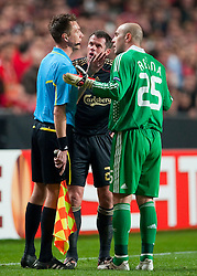 01.04.2010, Estadio da Luz, Lissabon, POR, UEFA Europa League, SL Benfica vs Liverpool FC, im Bild Liverpool's goalkeeper Pepe Reina and Jamie Carragher complain to the assistant referee after Ryan Babel was sent off against Sport Lisboa e Benfica during the UEFA Europa League Quarter-Final 1st Leg match at the Estadio da Luz. EXPA Pictures © 2010, PhotoCredit: EXPA/ Propaganda/ D. Rawcliffe / SPORTIDA PHOTO AGENCY