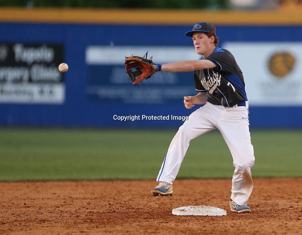 Warren Central second baseman Grayson Shealy goes for the catch against Tupelo Thursday night.