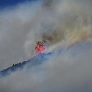 In Valsusa  continua l'emergenza incendi, nelle foto il fronte del fuoco sopra Monpantero (TO) 27/10/2017