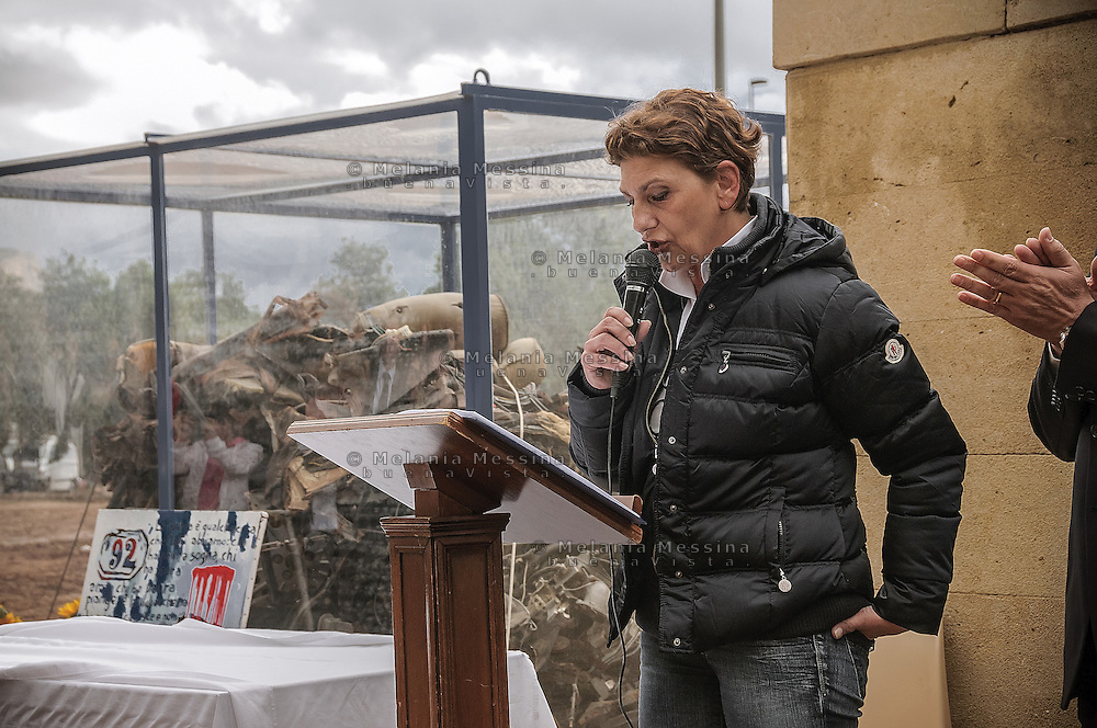 Capaci:Tina Montinaro, wife of one of the bodyguards killed with Judge Falcone, during the celebrations of the twentieth anniversary of the  massacre..Capaci:Tina Montinaro, moglie di uno degli agenti di scorta uccisi con il giudice Falcone, durante le commemorazioni del ventennale della strage